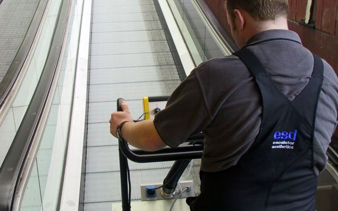 Travelator Step Cleaning