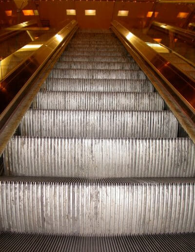 ESD Escalator Aesthetics step cleaning3